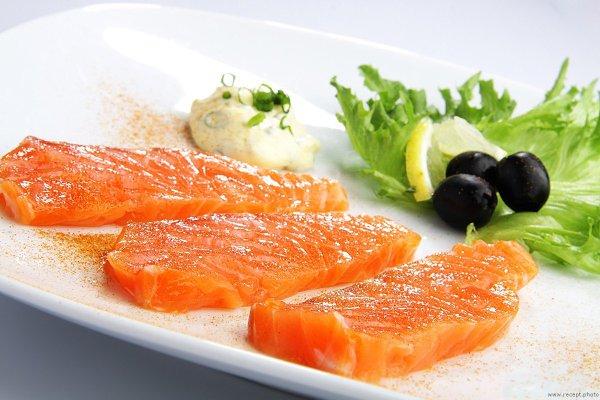 Łosoś: zawartość kalorii, użyteczne właściwości