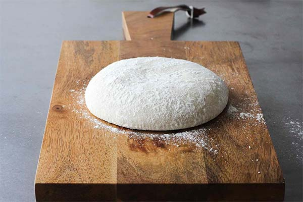Jak rozmrozić ciasto na pizzę?