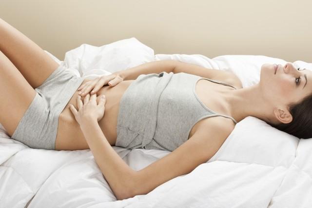 Plecy bolą po śnie - przyczyny i środki zaradcze