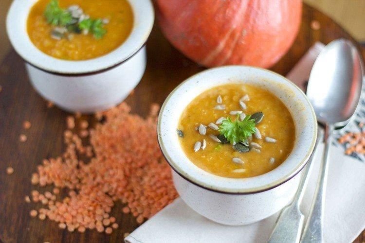 Zupa z soczewicy z dynią