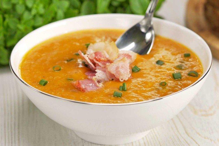 Zupa z soczewicy z boczkiem i śmietaną