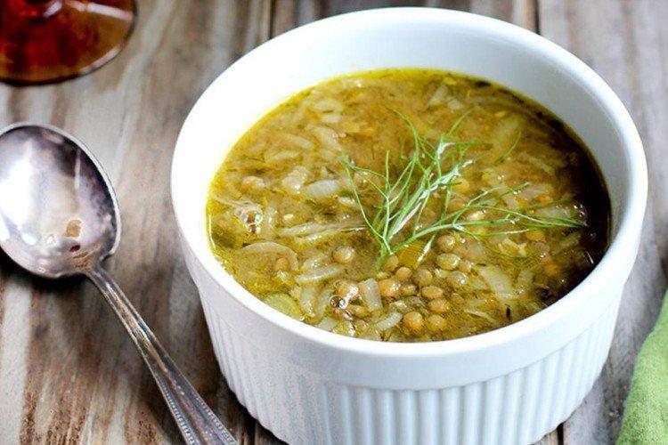 Zupa z soczewicy z selerem