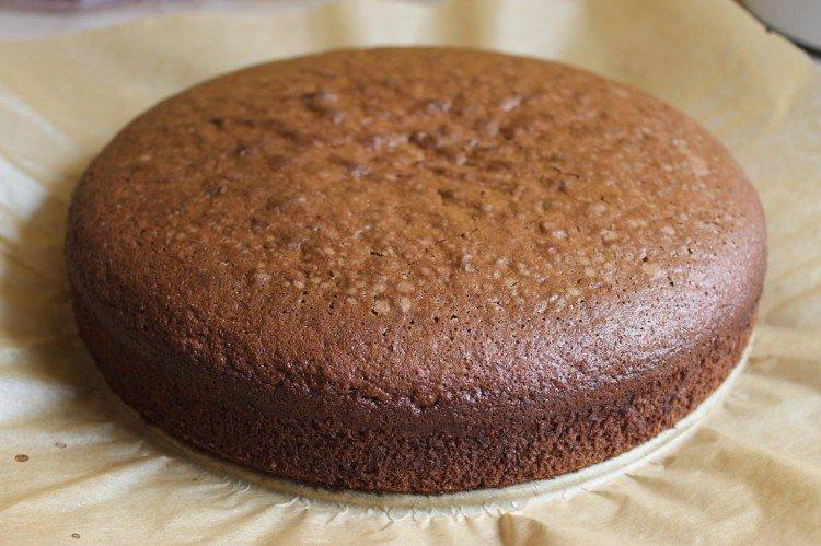 Biszkopt z gorzkiej czekolady