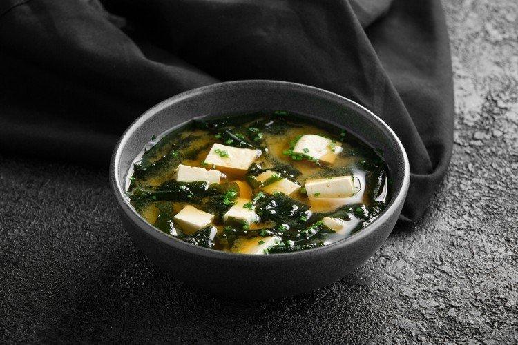 Zupa miso bez mięsa