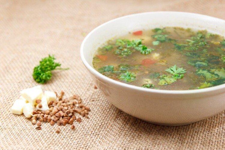 Zupa gryczana z warzywami