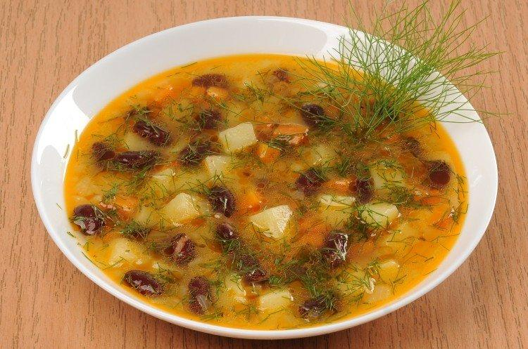 Zupa fasolowa bez mięsa
