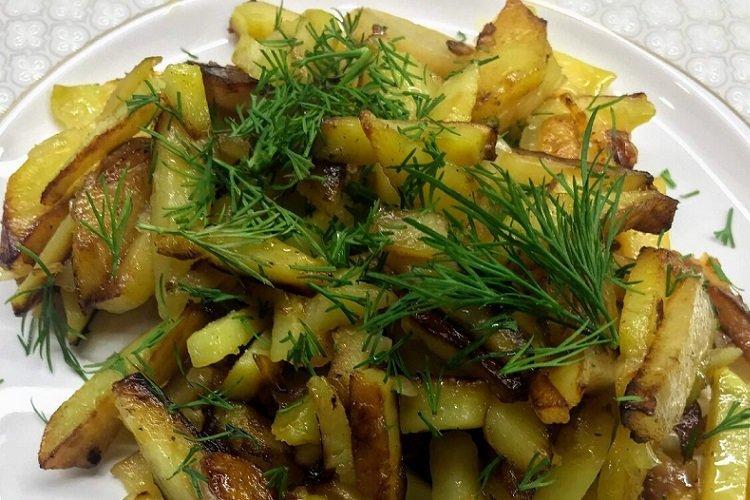 Smażone ziemniaki z ziołami