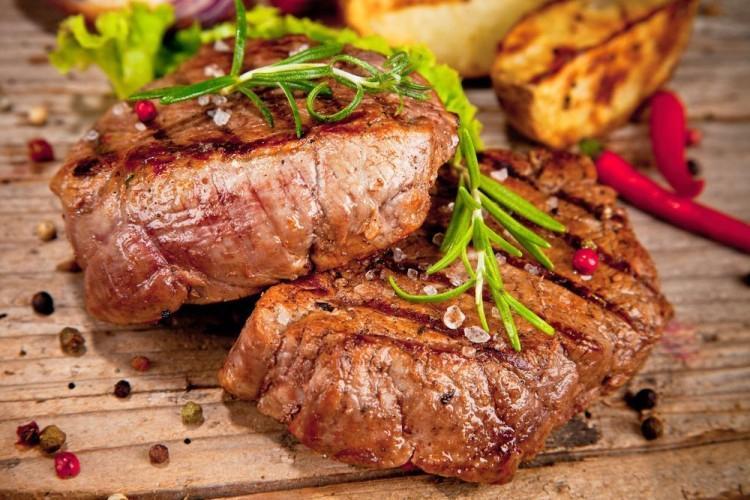 Jak sprawić, by mięso było miękkie i soczyste: 15 sztuczek, o których możesz nie wiedzieć