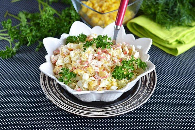 Tradycyjna sałatka na urodziny - przepisy kulinarne