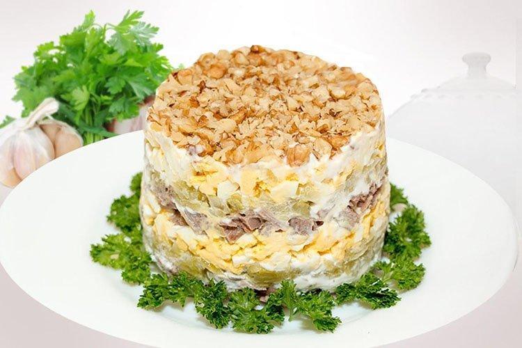 Sałatka Gluttona na urodziny - przepisy kulinarne