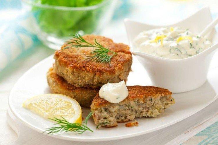 Konserwy rybne i kotlety ziemniaczane - pyszne i tanie przepisy