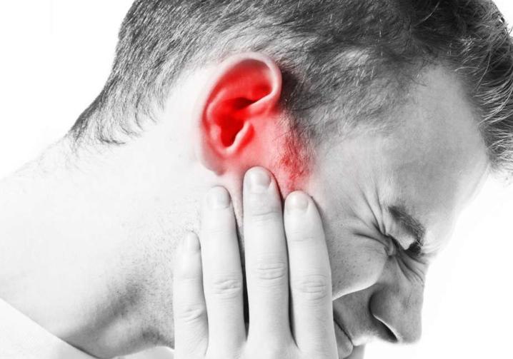Czy możesz spać z zatyczkami do uszu i dlaczego istnieją ograniczenia?